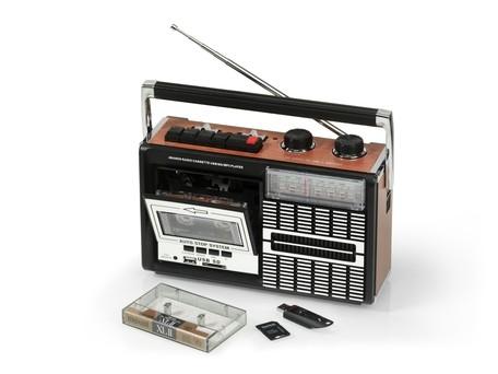 Ricatech PR85, retro rádiomagnetofón